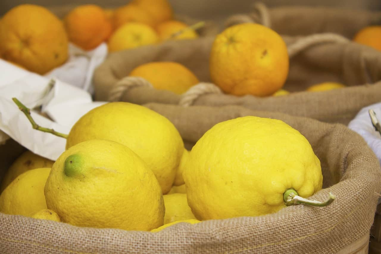 Does Lemon Stop Your Period - The Truth Behind this Home Remedy